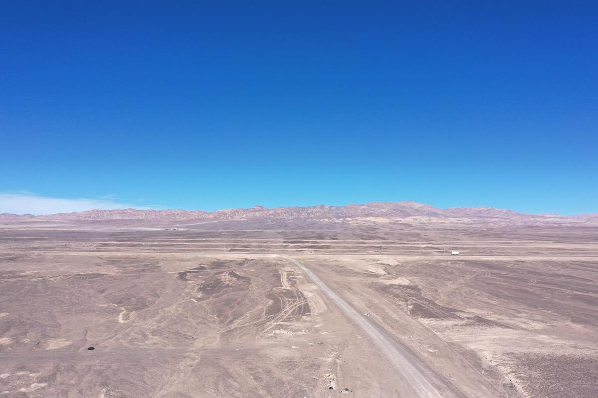 チリの砂漠で空撮2